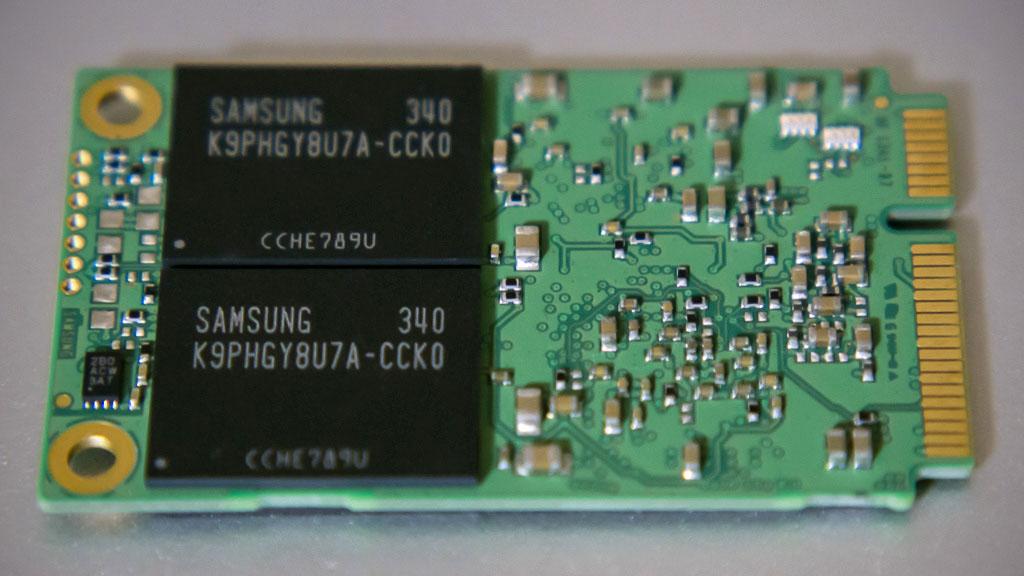 SAMSUNG MZMPD256HAGM-000H1(裏面)