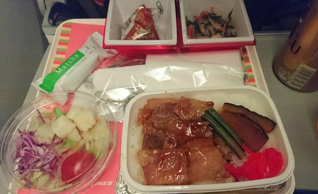 JAL上海便の機内食
