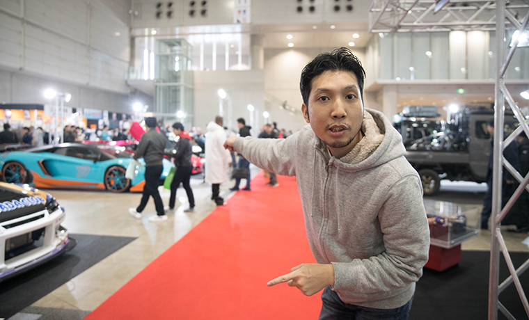紳さんが東京オートサロンの模様をお届けする画像です。
