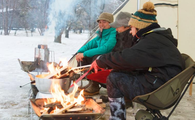 いよいよ夢の焚き火台に最初の火をともす! 冬キャンプで火と遊ぶ! ~小雀陣二が20年間追い求めたこだわりの焚き火台 第2回~