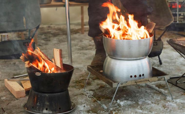 ダッチオーブンで焚き火