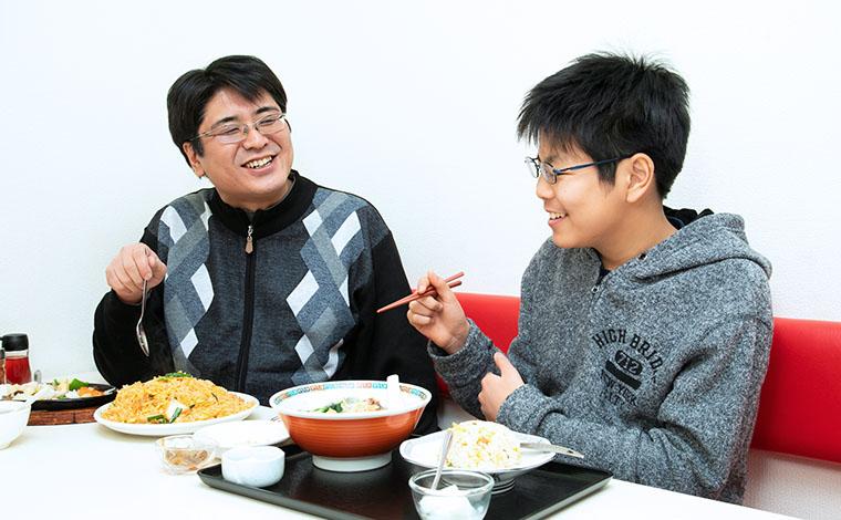お父さんと息子さんランチ写真