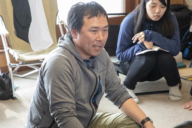 合宿では自らの経験に基づいた講義を行う荻田さん