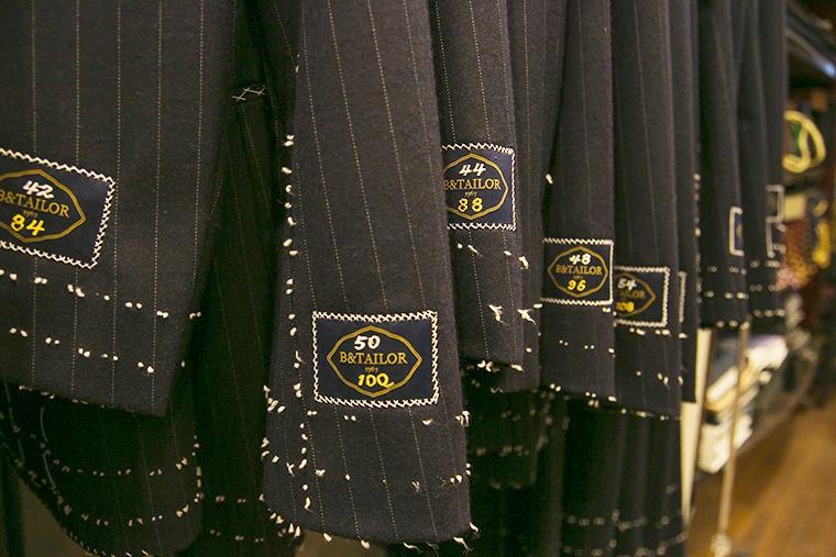 オリジナルのスーツも販売するSARTO