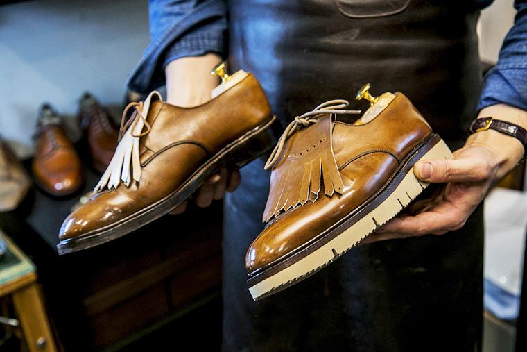 タッセルを追加した革靴