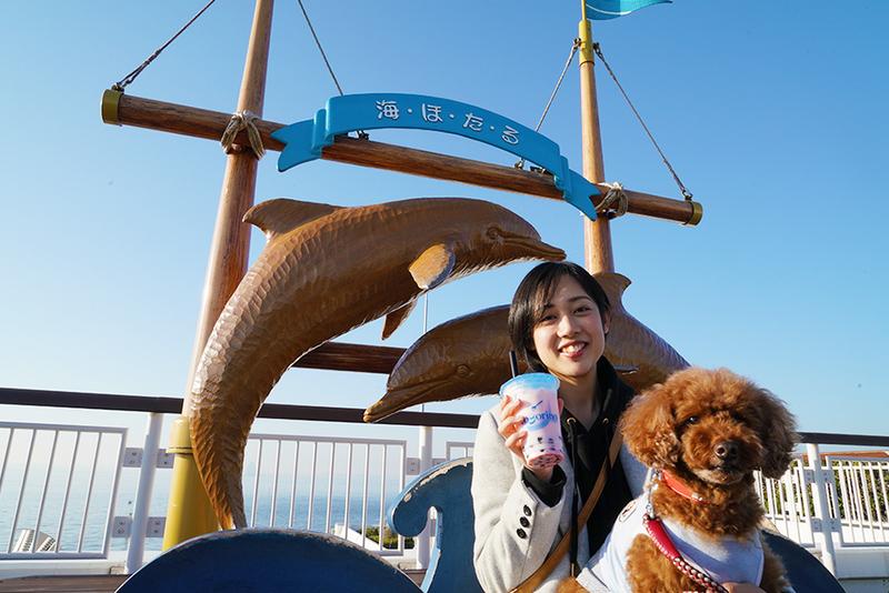 海ほたるPAでタピオカを飲むユキさんとココア君