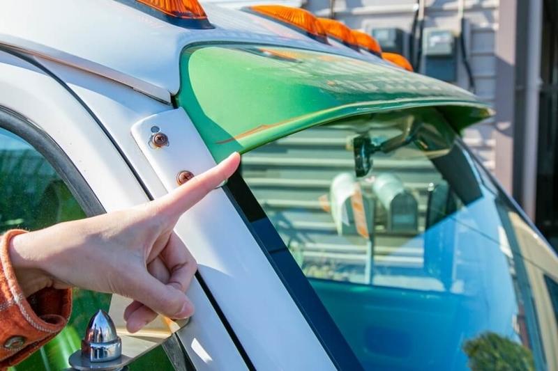 ブローのアメ車レトロカスタム。Honda・バモスがベースのイージーライダーの手書きイラストと森さん