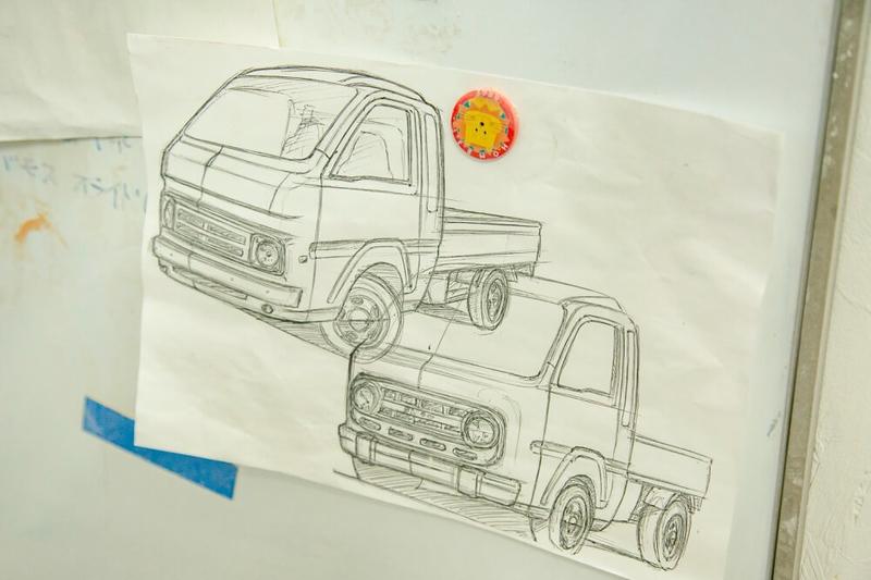 ブローのモデラー中澤さんが描いたレトロカスタムカーのデザイン画
