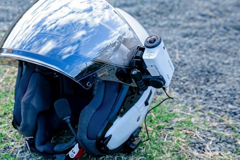 茅ヶ崎みなみさんのヘルメット。ウェアラブルカメラアクションカムが取り付けできる