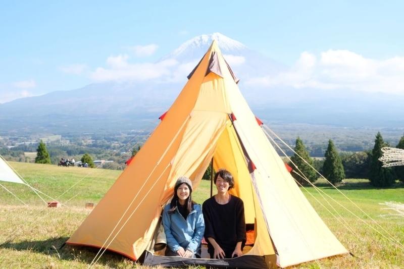 ゆるキャンの聖地・富士山YMCAキャンプ場でキャンプする野外のもりこさん