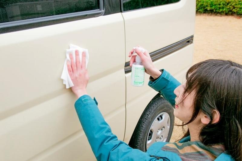 クルマの日常点検・メンテナンス。コーティングや洗車について説明している画像