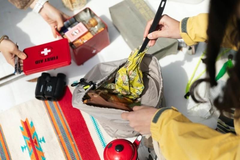 デイキャンプの楽しみ方。道具の収納のポイントを説明する画像