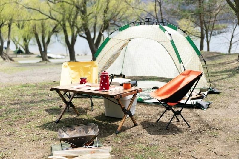 デイキャンプの楽しみ方。テントを使ってキャンプサイトのレイアウトを楽しむ