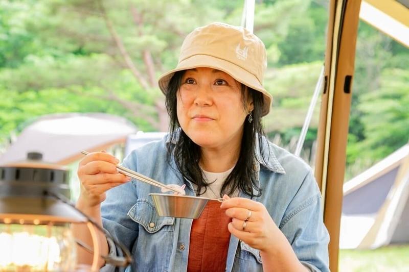 ogawaの最新テントについて語る齋藤さん