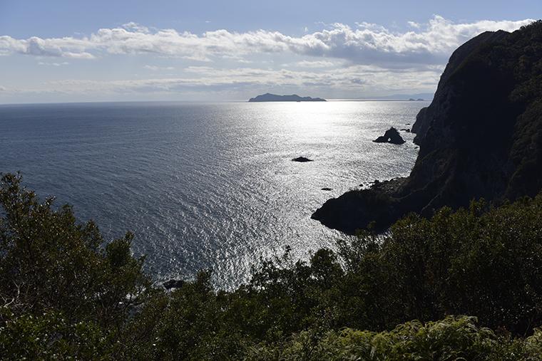 徳島の千羽海崖と呼ばれる景勝地