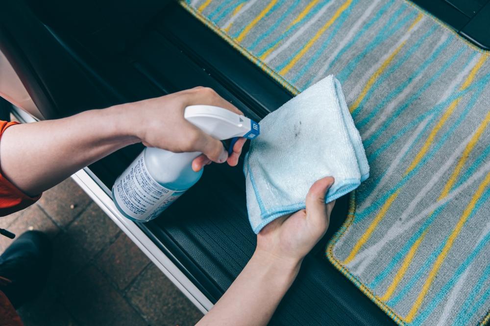 ファイバークロスと洗剤
