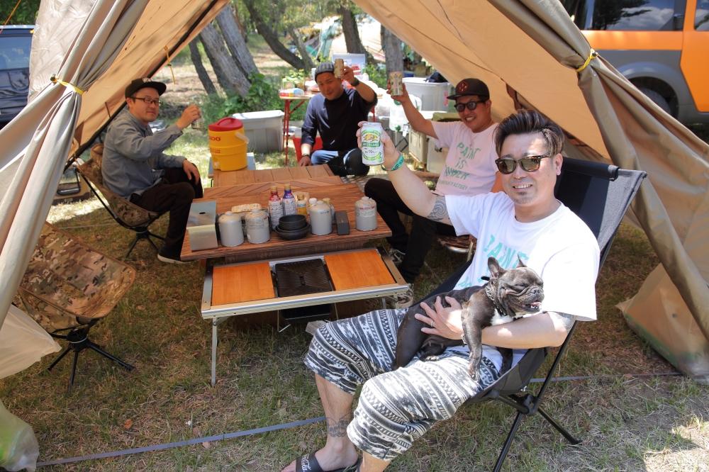 相馬さんのクルマを運転して集まったキャンプの仲間たち