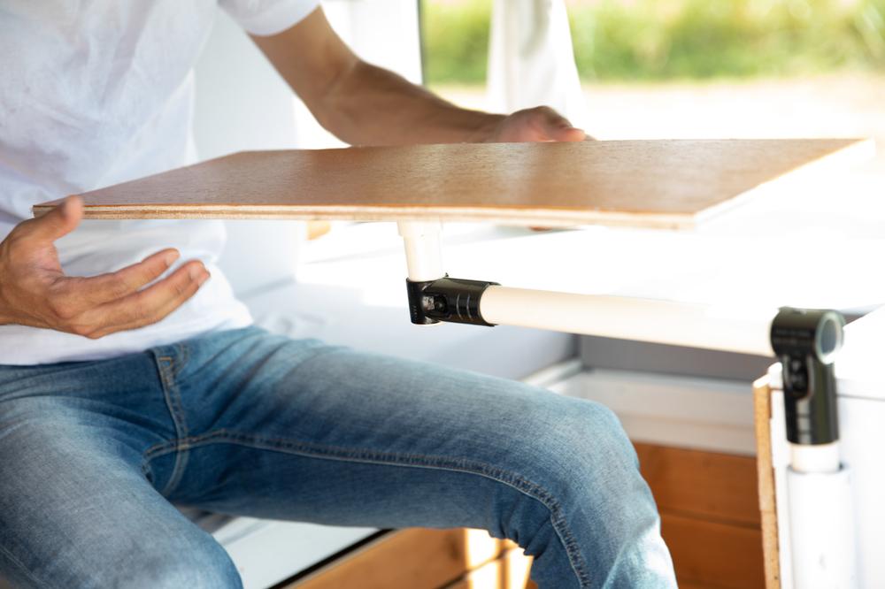 手作りの可動式テーブル