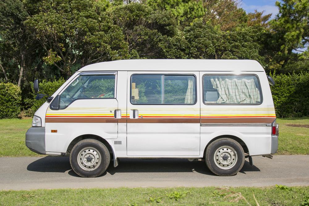 インスタグラマーのYURIEさんの愛車は日産バネット S21 型