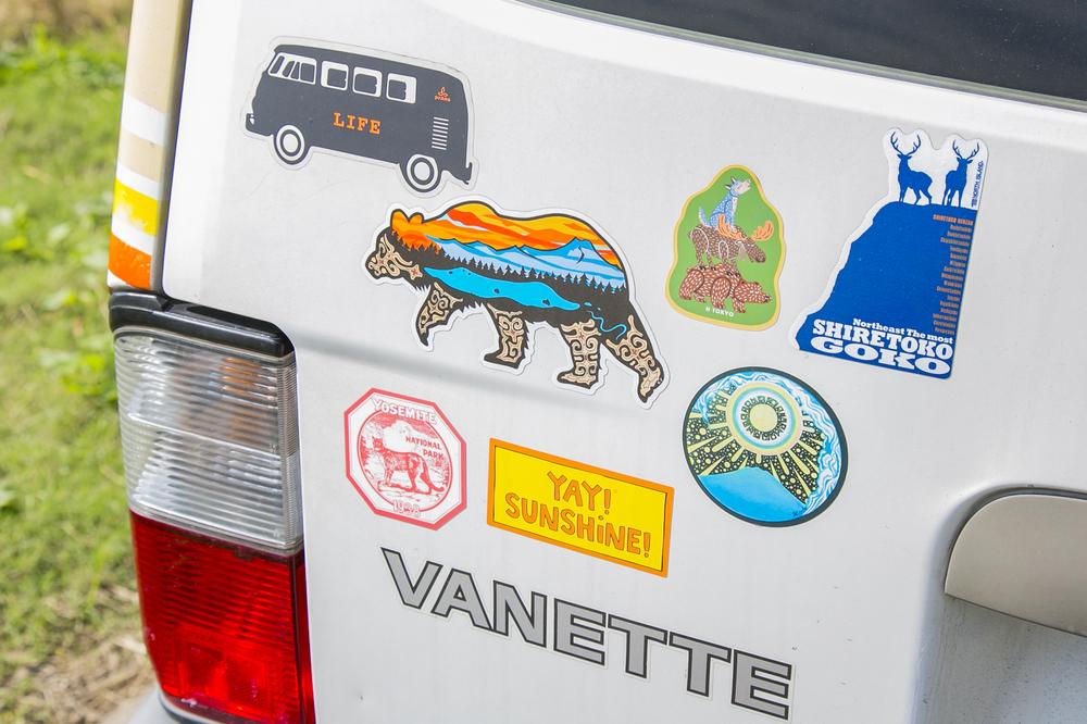 YURIEさんの愛車「サンシー号」のステッカー