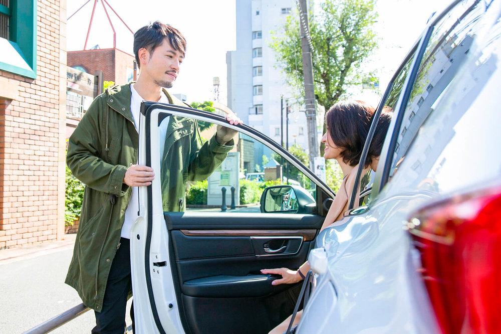 HondaのSUV「CR-V」、バチェラー小柳津林太郎のドライブデート