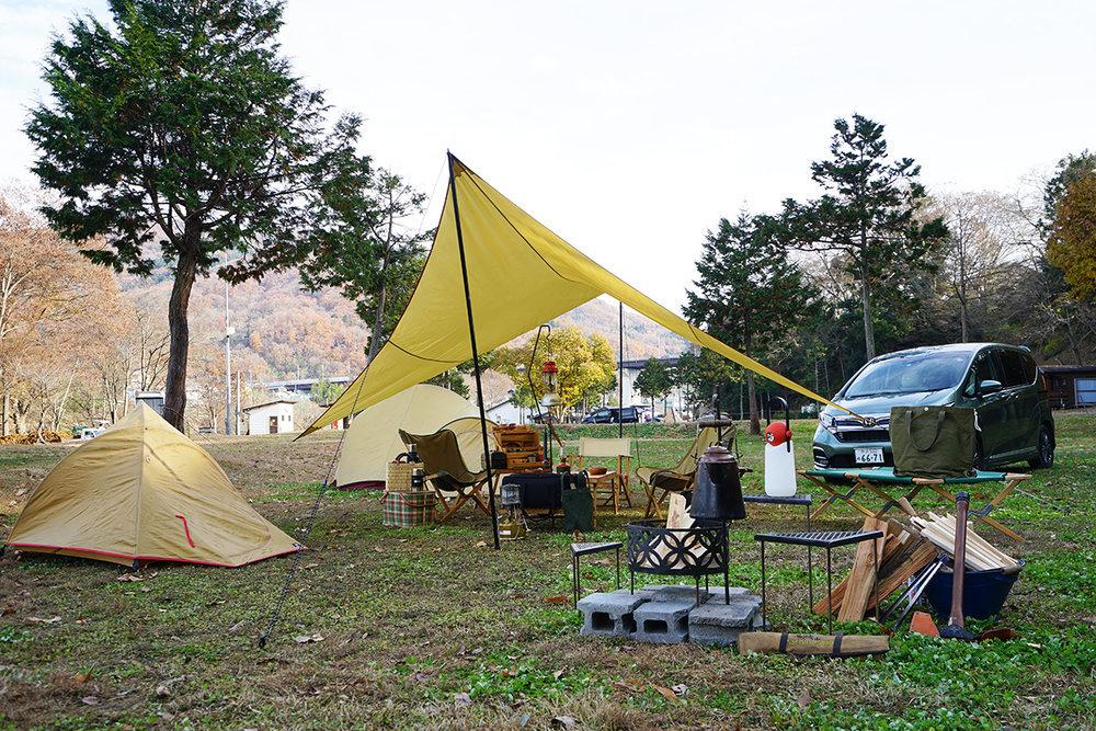 フリードとおしゃれなキャンプサイト