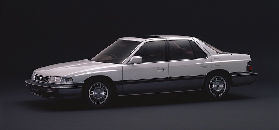 Honda「レジェンド」(4ドアV6Xiエクスクルーシブ)