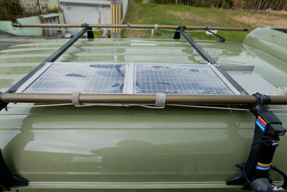 N-VANの屋根に設置したソーラーパネル