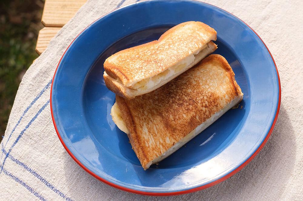 バナナとクリームチーズのホットサンド