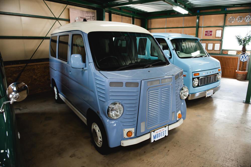 ホンダのバモス、バモス ホビオ、アクティ・バンをベースにしたシトロエンバス仕様のレトロなカスタムカー