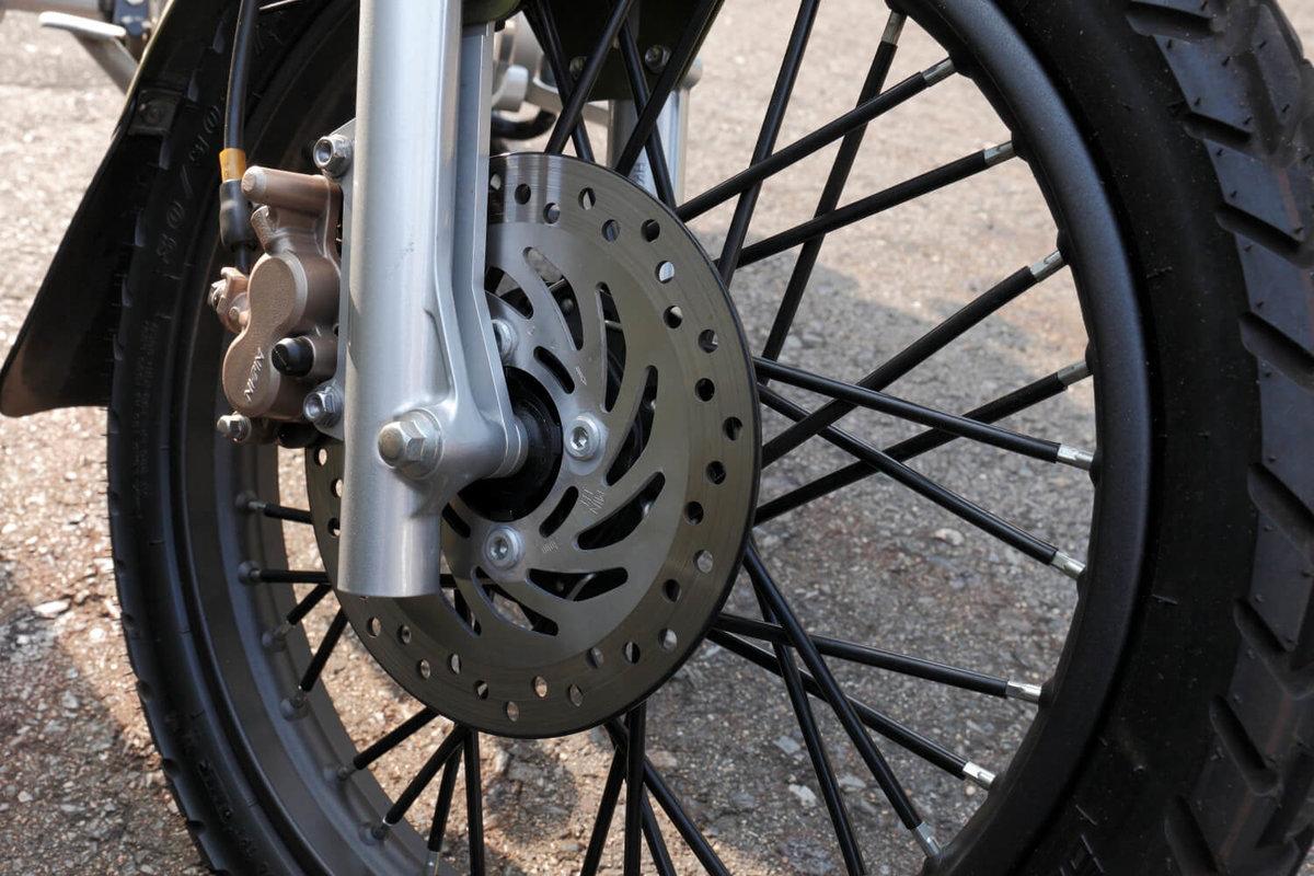 クロスカブをDIYカスタム改造。ブレーキをディスクブレーキに交換