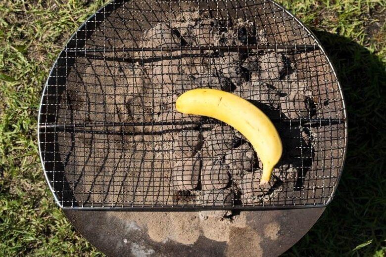44_車中泊キャンプでバーベキュー。バナナを焼く