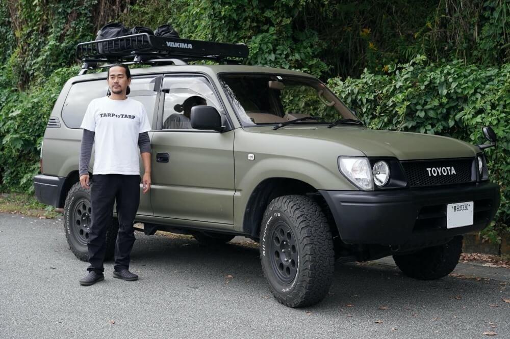 36_車中泊・キャンプの達人。鈴木陽士さんがカスタムしたトヨタ・ランドクルーザーの全体像。ルーフキャリアはボックス型、ラック型の両方を使用した経歴がある