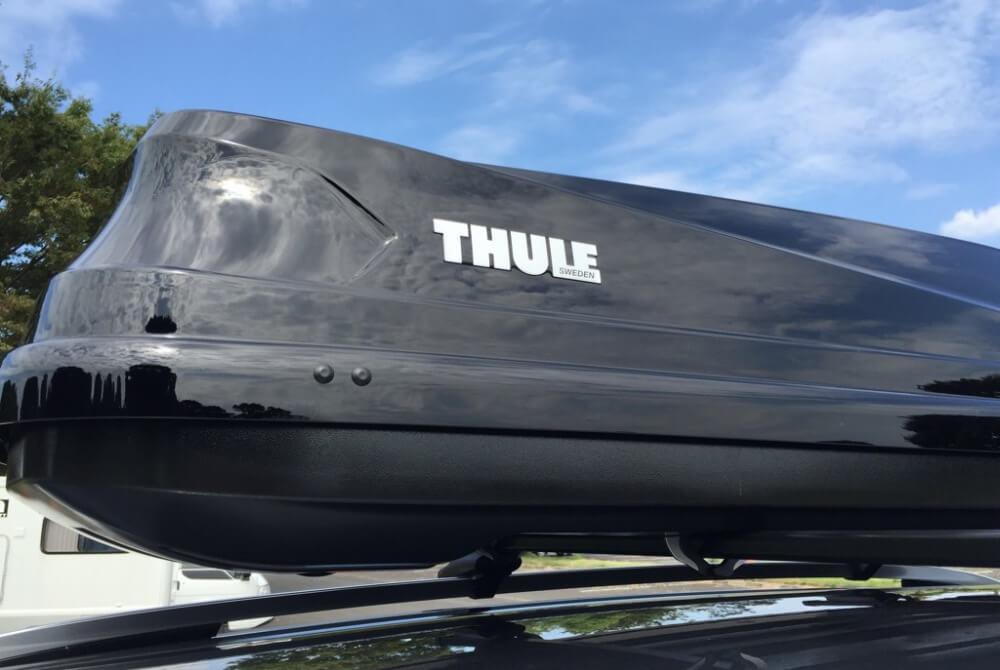 39_鈴木陽士さんがカスタムしたトヨタ・ランドクルーザー。ルーフキャリアはスウェーデンのメーカー「THULE(スーリー)」の「Touring Sport」を使用
