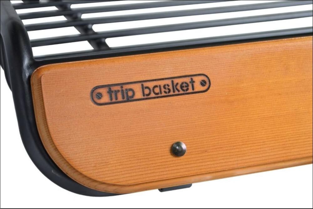 48_「DAMD(ダムド)」の新ブランド「trip basket(トリップ バスケット)」の第1弾として発売された「trip basket ルーフラック」のロゴ