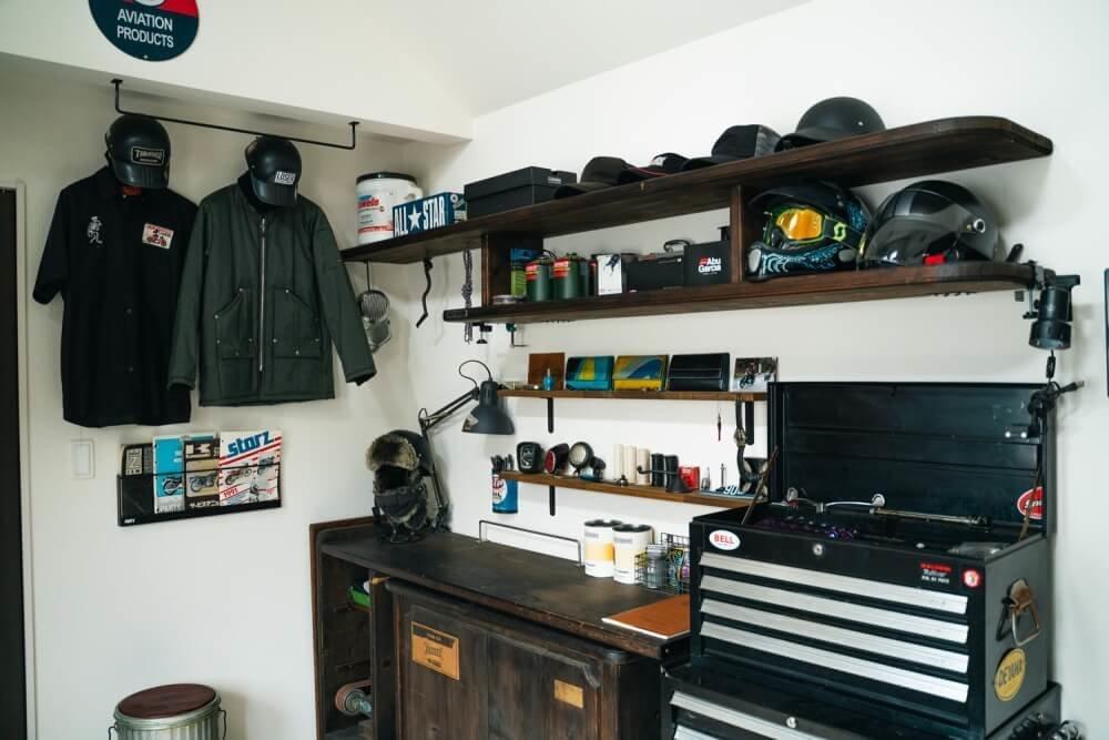 トランポ仕様にカスタムしたN-VANオーナー・堀さんの自宅にある釣り具コレクション