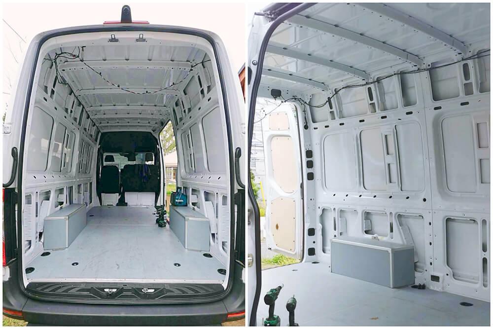 バンライフ車の施工プロセスの写真で、内装の壁をはがしてスケルトン状態にしたところ。車種はメルセデス・ベンツのトランスポーター(商用車)の「スプリンター」