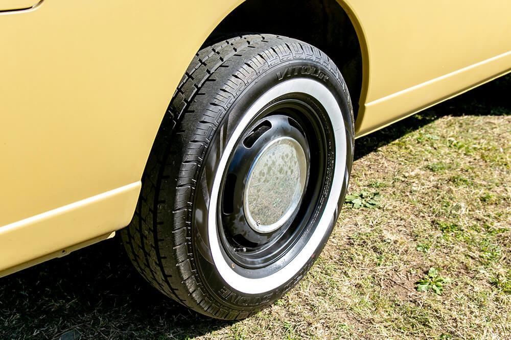 野あそび夫婦の日産 キャラバンNV350のタイヤ