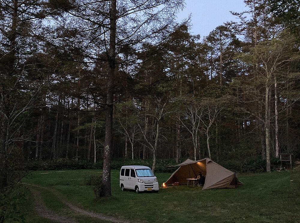 戸隠イースタンキャンプ場で車中泊キャンプの様子