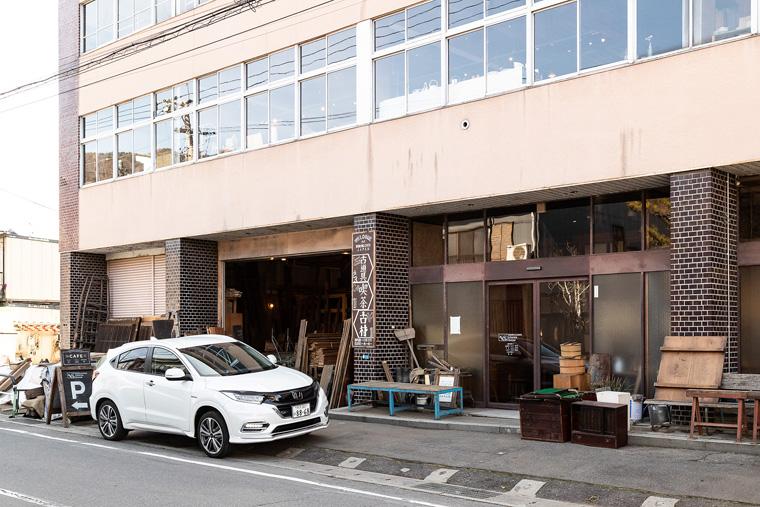 長野県諏訪市にある「ReBuilding Center Japan」。東京からは車で約3時間
