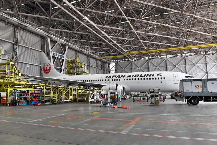 もう一つは取材時には大きな機材が入っておらずボーイング 737-800型機が整備を受けていました