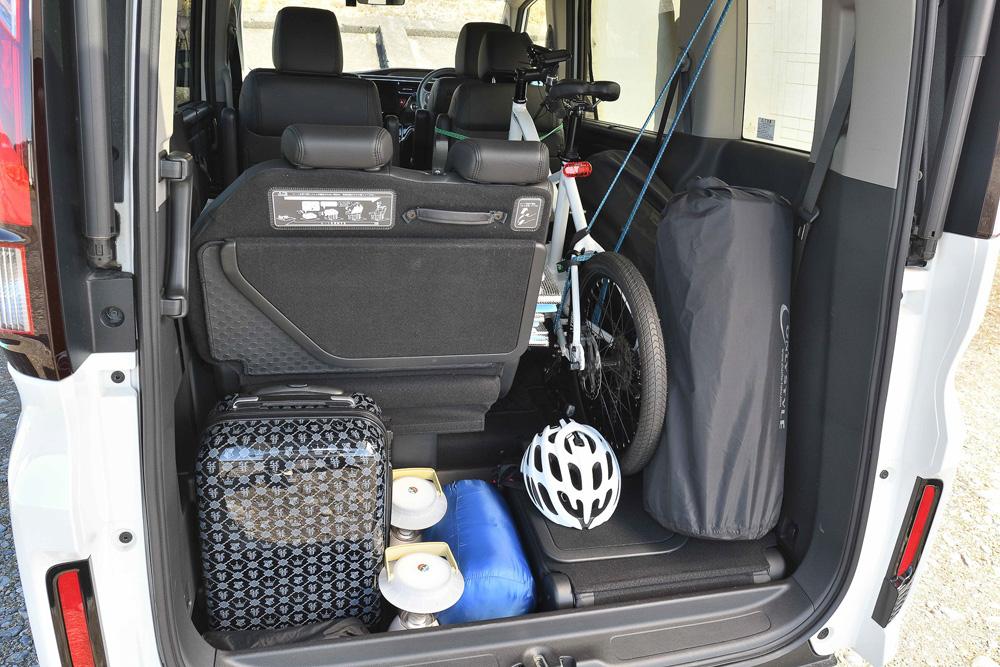 車中泊用の荷物も含めてまったく問題なく乗せることができました