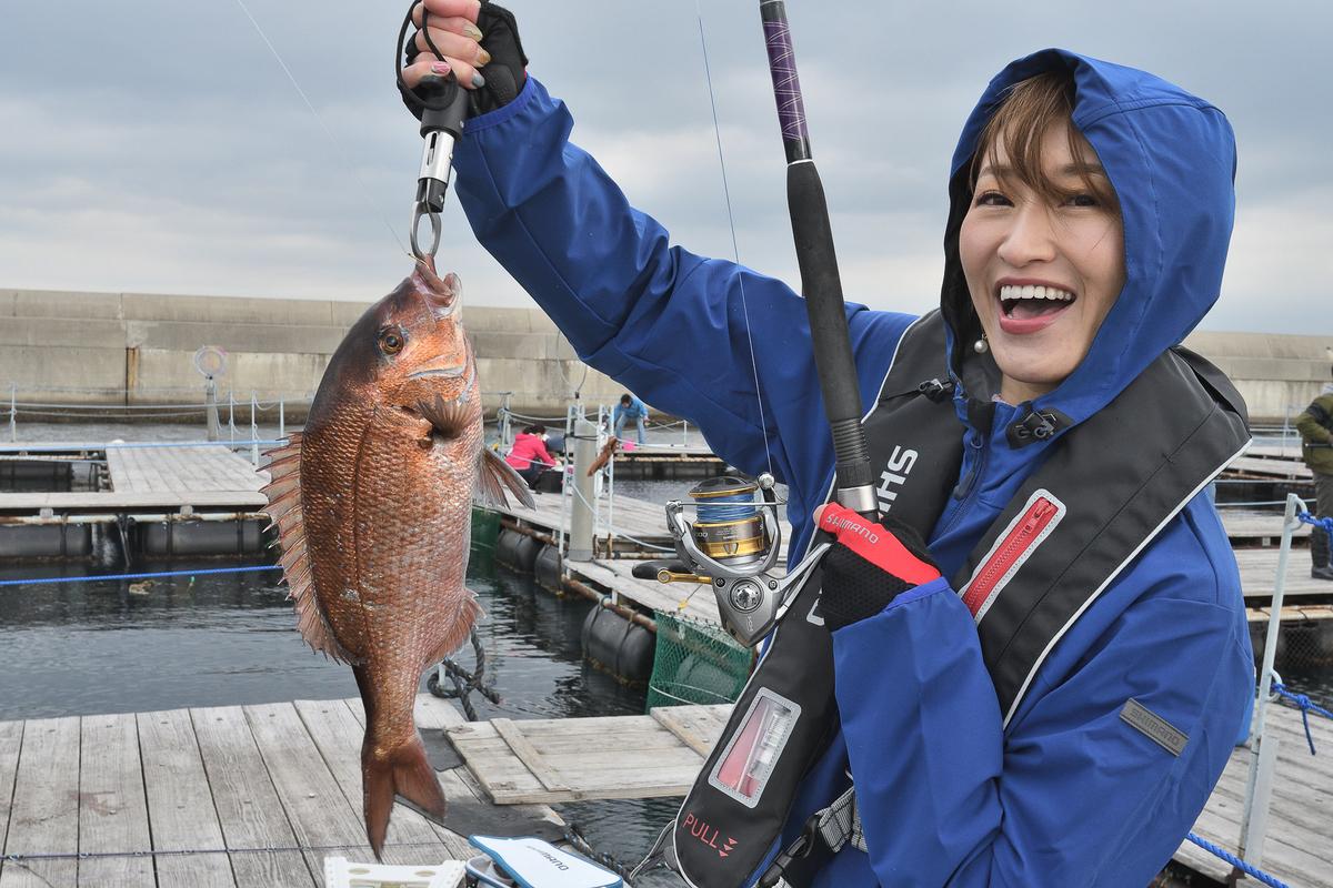 その後も続々とアタリが。「初めての釣り、凄く楽しいです!」