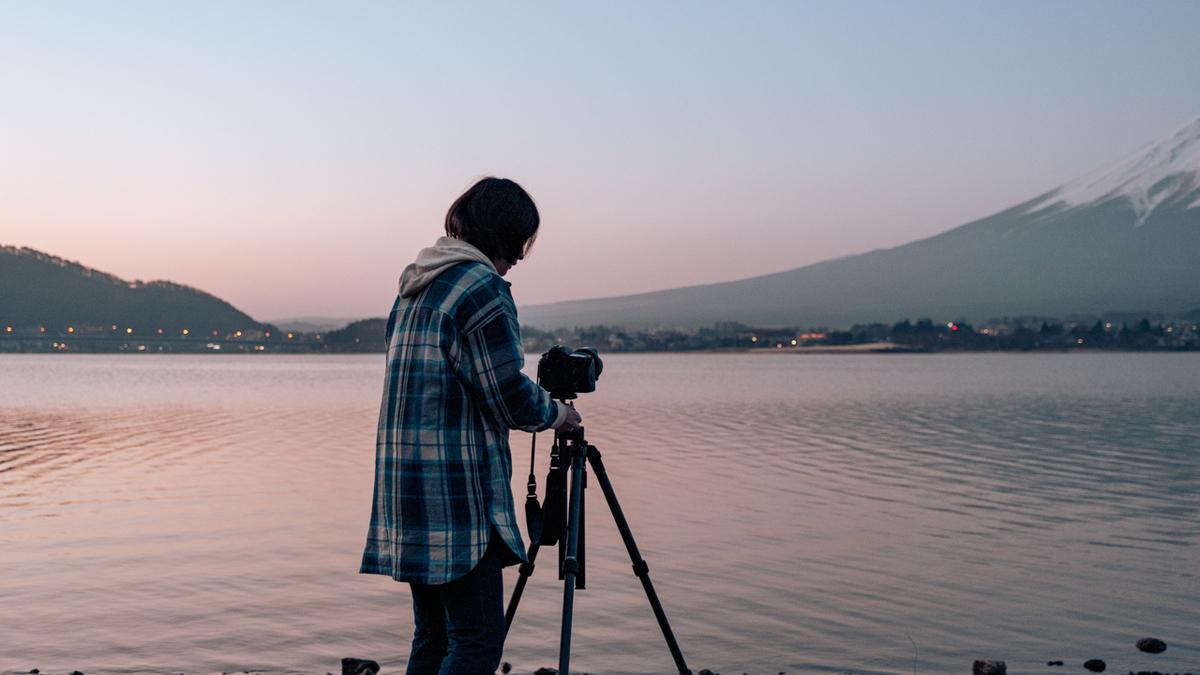 早朝撮影するおかりなさんの写真