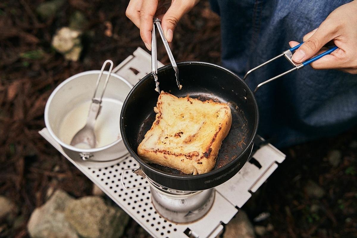 焼き色の付いたあんバターブレッド