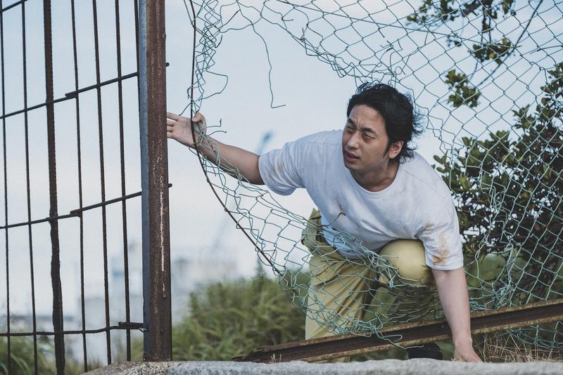 看守の目をかいくぐり脱獄する受刑者役の大川さん