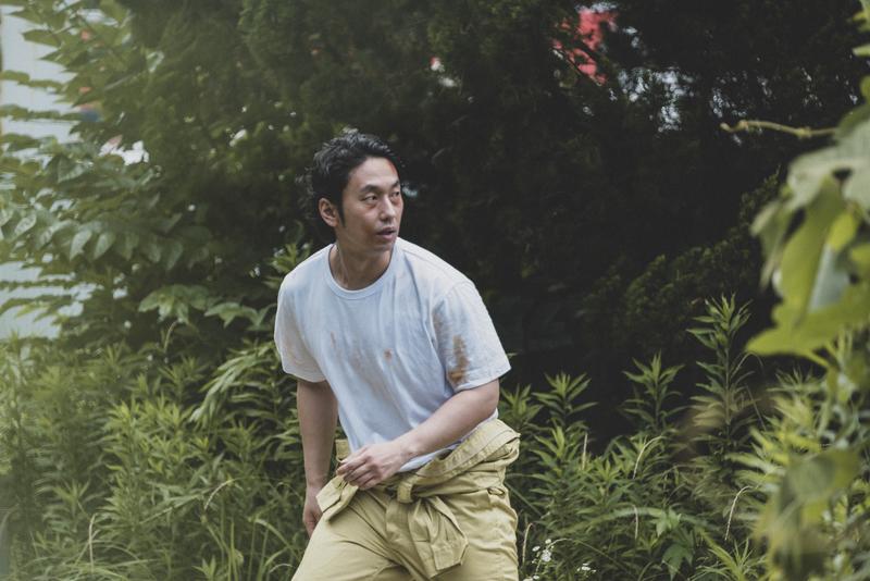看守に見つかり、脱獄者発見のサイレンが鳴り響く脱獄者役の大川さん