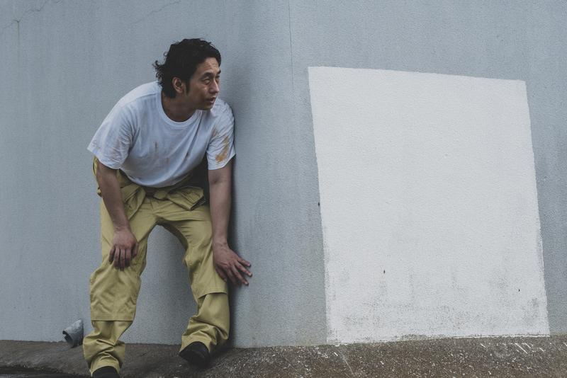 刑務所から脱出するも、いつくるかわからない追っ手におびえる受刑者役の大川さん
