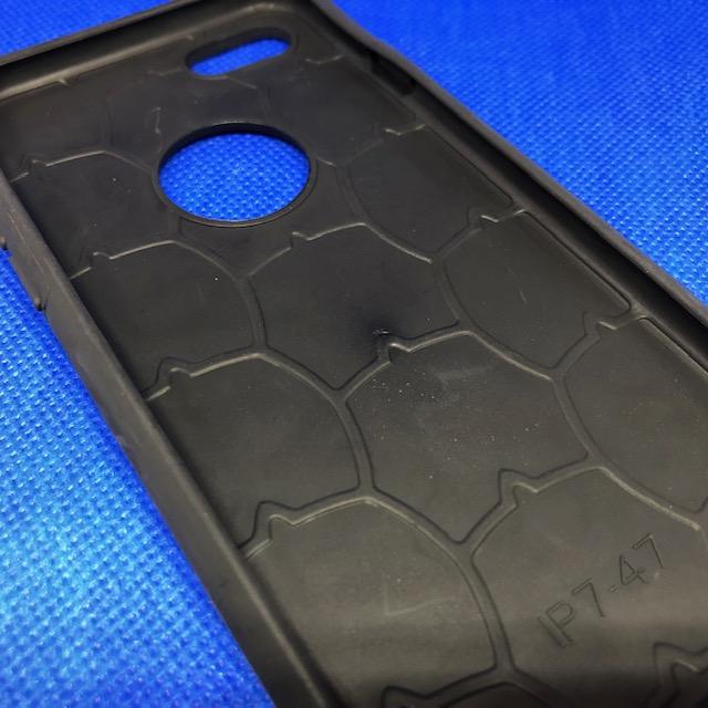 【ダイソー】iPhone 8/7/6s/6用ケースの作りはしっかりしている