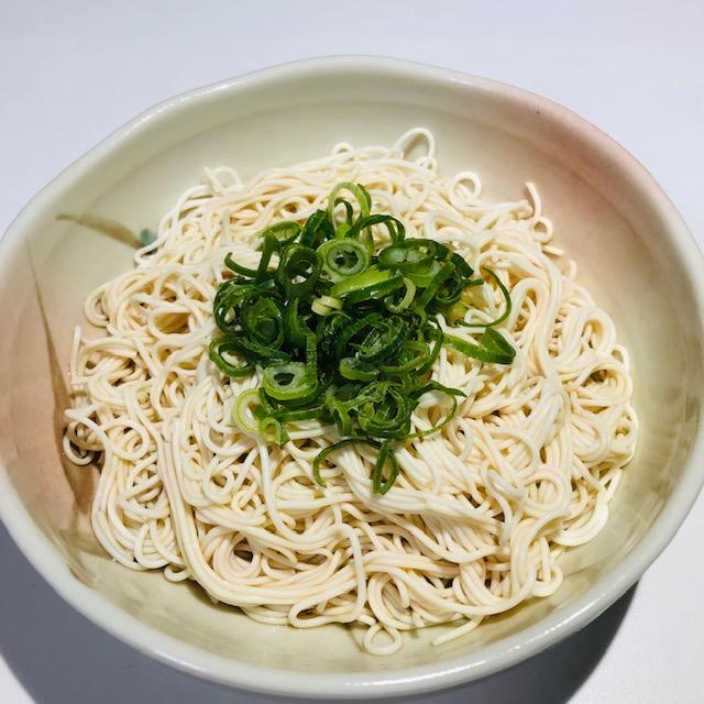 ソーメンにみえるけど実は豆腐!101カロリーでとっもへるすぃ~な「とうふそうめん風」を食べてみた!
